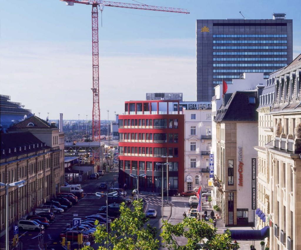 Drei Eins – Architektur- und Stadtplanungsbüro in Frankfurt // Bürohaus Poststraße, Ffm